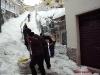 Bagnoli-Irpino-Emergenza-neve-giovani-volontari-in-azione-1