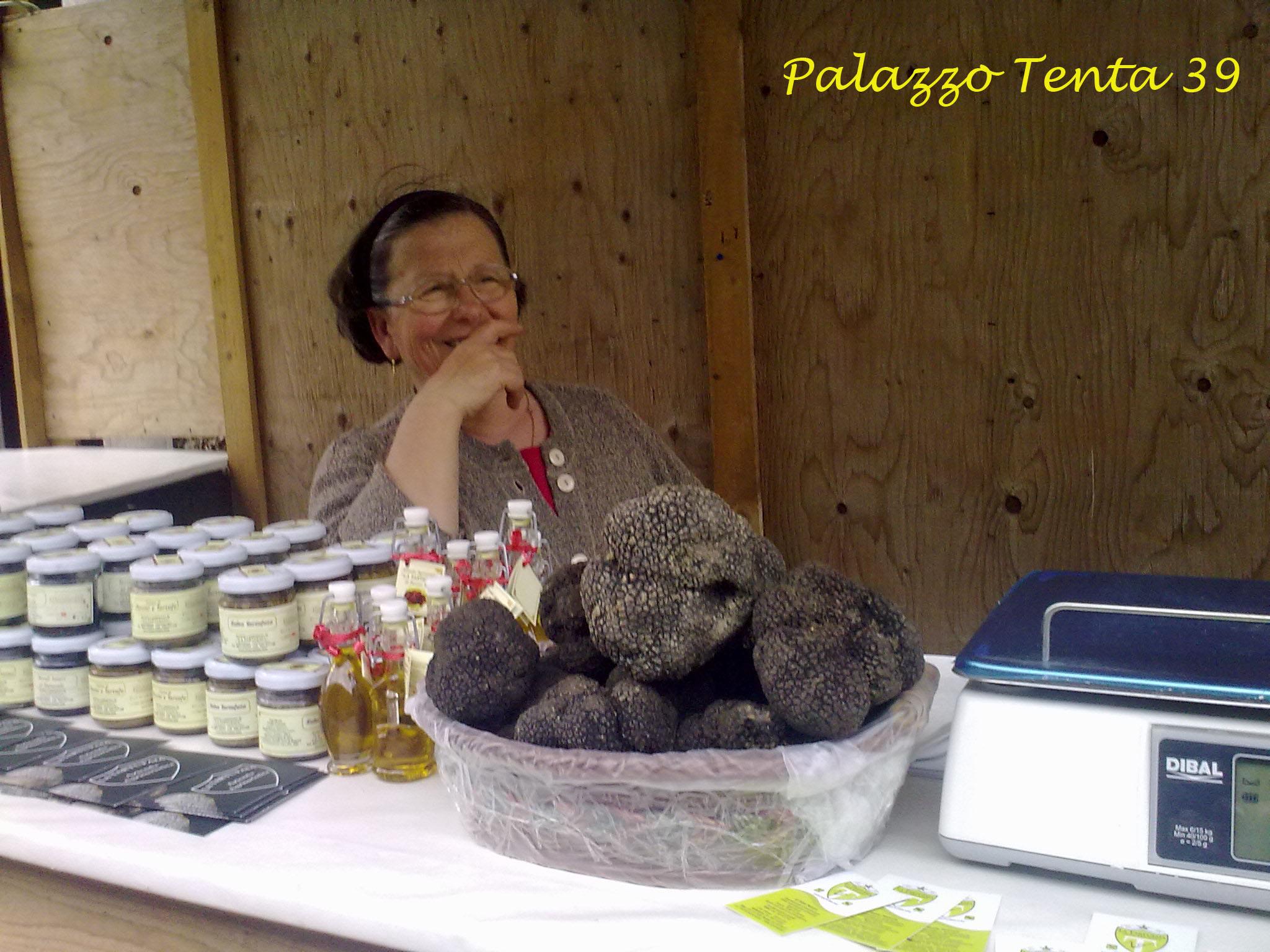 Sagra pecorino e scorzone 2010 036