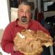 Stagione dei funghi al via, Franco il 'maestro' trova porcino di 2kg
