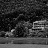 """Albergo sul Lago a Laceno: in """"rete"""" le immagini del degrado"""