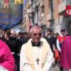 Cambia il vescovo e il Santo non si inchina più sotto la casa del boss
