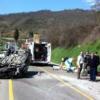 Sbandano con l'automobile, feriti due fratelli gemelli di Bagnoli