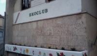 La scritta va rimossa: il caso Ekoclub a Bagnoli