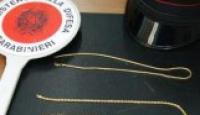 Bagnoli – Tenta di piazzare monili in oro tarocco: foglio di via per un pregiudicato