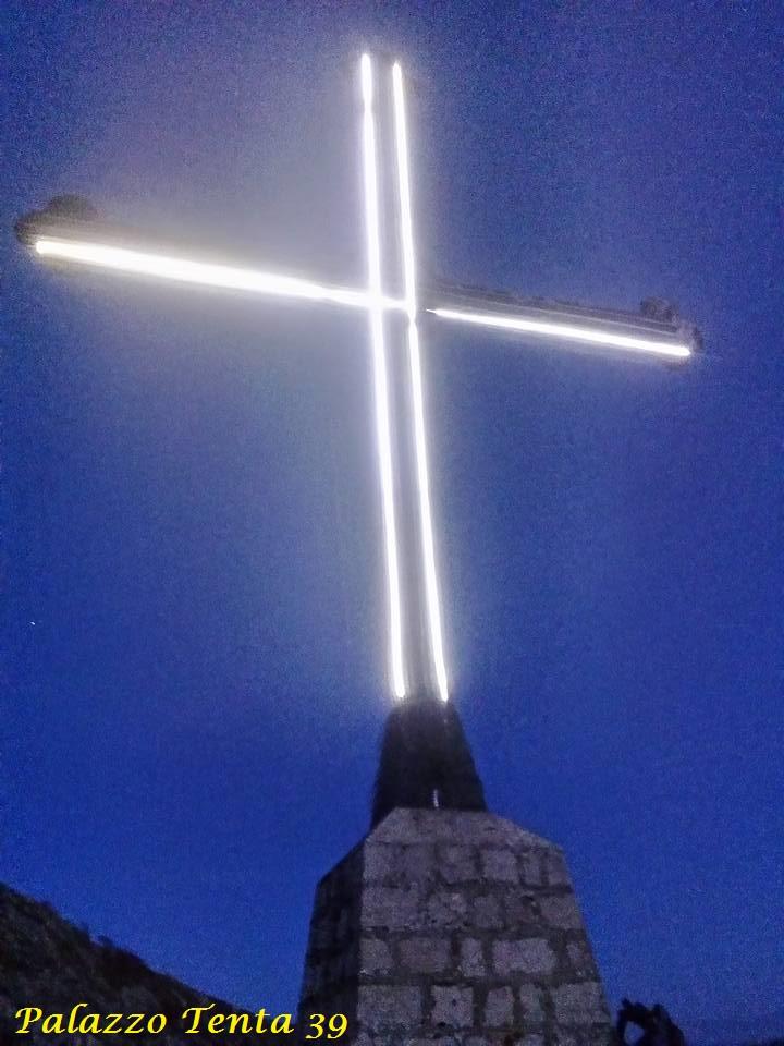 Illuminazione-Croce-Piscacca-25.03.2016