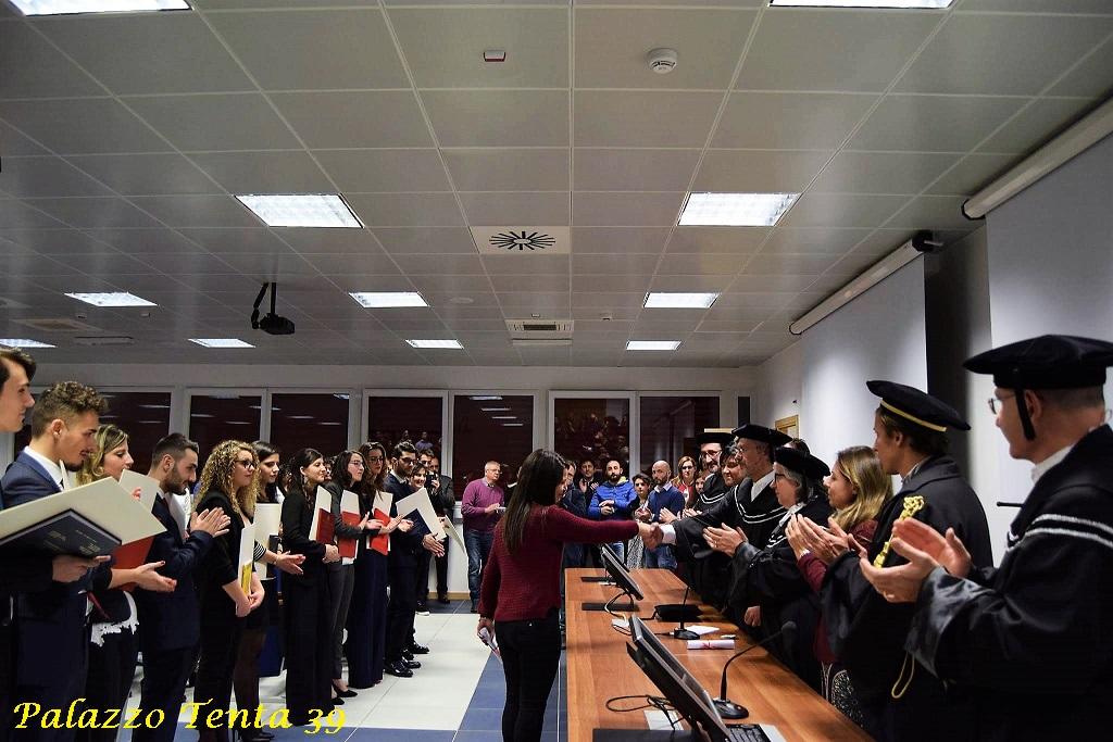 universita-salerno-fisciano-premio-studio-federica-savaese-ad-anna-nigro-15-12-2016