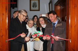 Visita-di-Vittorio-Sgarbi-a-Bagnoi-Inaugurazione-Pinacoteca-1-Novembre-2015