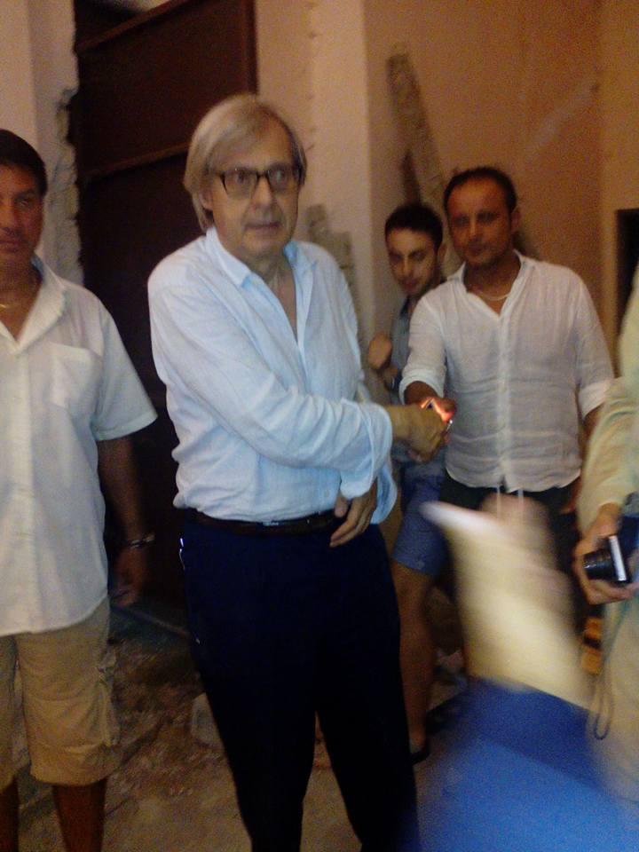 Vittorio-Sgarbi-a-Bagnoli-Irpino-agosto-2015-3