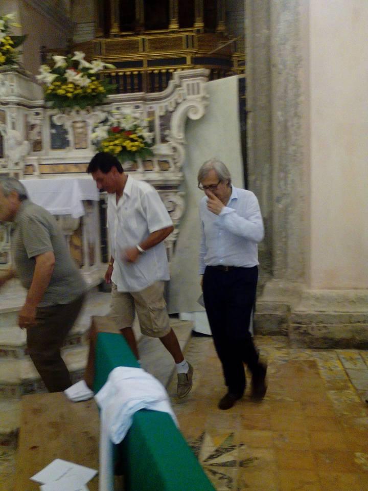Vittorio-Sgarbi-a-Bagnoli-Irpino-agosto-2015-4