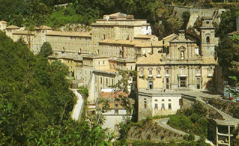 badia-ss-trinita-cava-monastero-benedettino