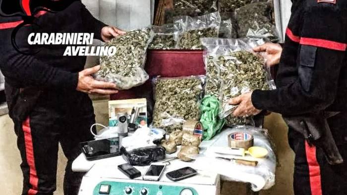 Associazione culturale palazzo tenta 39 maxi sequestro di droga da parte dei carabinieri di - Droga dei sali da bagno ...