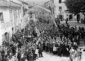 festa-ss-salvatore-a-montella-immagine-storica