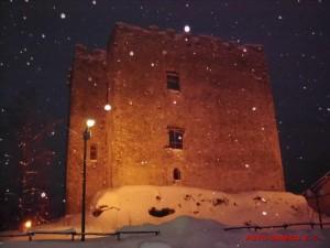 Bagnoli-Irpino-Castello-Cavaniglia-Nevicata-febbraio2012
